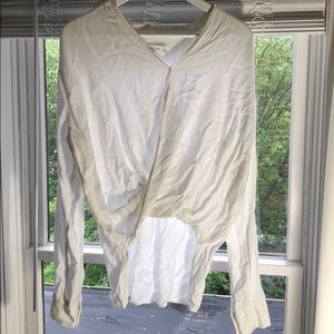 Abercrombie & Fitch white long sleeve blouse